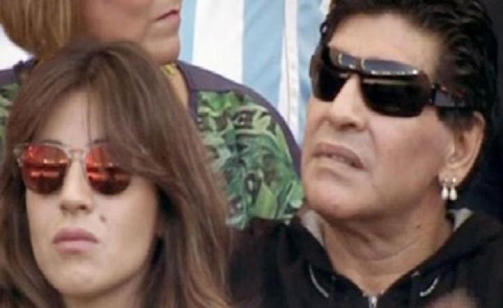 Maradona y Giannina no se perdieron el partido entre Argentina e Irán