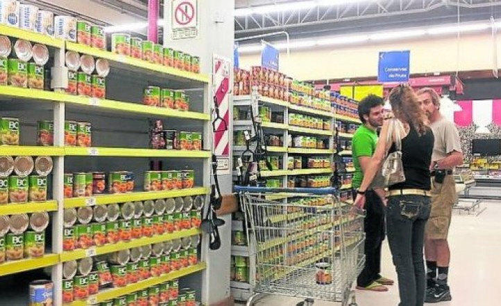 Se derrumban las ventas en los supermercados y la inflación llega al 40%