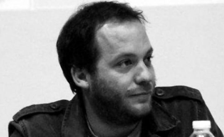 Denuncian al polémico periodista Lucas Carrasco por abuso