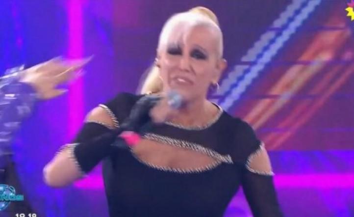 #ShowMatch30Años El golpe a Valeria Lynch en plena apertura del Bailando