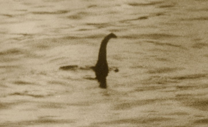 Nessie - El monstruo del Lago Ness en Escocia.